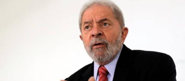 Defesa de Lula teria apresentado recibos falsos