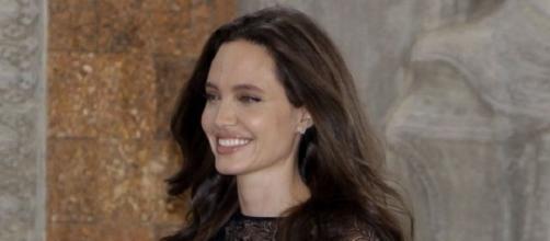 Angelina Jolie vive processo de separação (Foto: REX)
