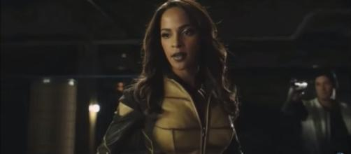 Arrow 4x15 Vixen introduction - YouTube/Pirate Dog Music Video