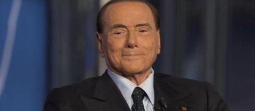 Candidato premier cercasi Berlusconi insegue Calenda - La Stampa - lastampa.it