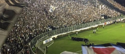 Jogo entre Vasco e Flamengo em São Januário