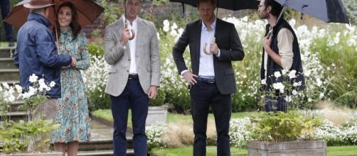 Kate Middleton in compagnia del marito William e del cognato Harry alla commemorazione della scomparsa di Lady D