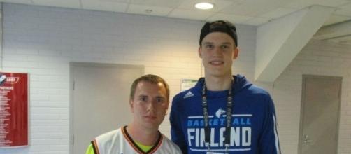 Lauri Markkanen of Finland continues his impressive play in EuroBasket 2017 - Don Bigileone via Flickr