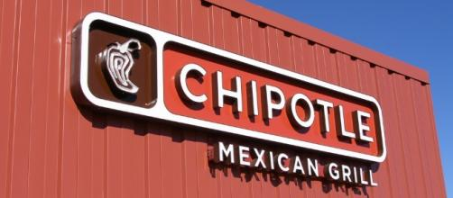 Queso will soon be coming to Chipotle menus across the US / Photo via Chris Potter, Flickr.