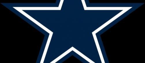 The Cowboys star shines bright. Opertinicy via Wikimedia Commons