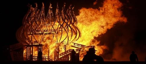 The man who ran into a flaming effigy at Burning Man 2017 has been identified [Image: Flickr by Mindaugas Danys/CC BY 2.0]
