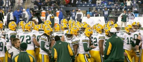 The Packers are swarming. Jame Healy via Wikimedia Commons