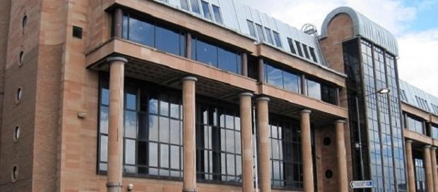 Caso está sendo julgado no tribunal de Newcastle (Foto: PA)