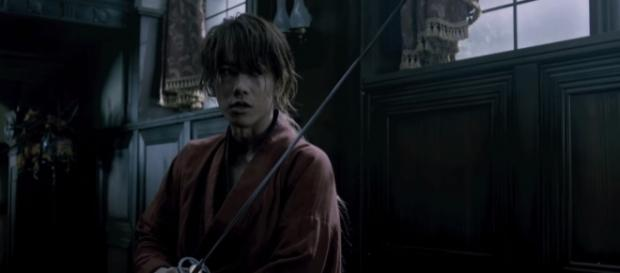 Takeru Sato as Kenshin Himura in Rurouni Kenshin. Credits to: Youtube/るろうに剣心映画