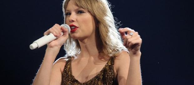 Taylor Swift (Eva Rinaldi wikimedia commons)