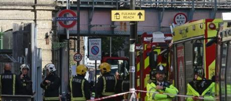 attacco a Londra nella metrò di Parsons Green