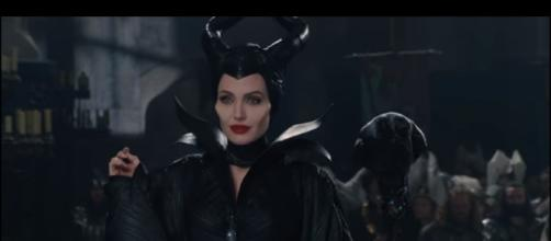 """""""Awkward Situation"""" Clip - Maleficent 