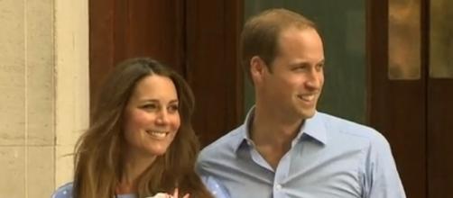 Credit: Wikimedia|CC BY-SA 3.0 - https://commons.wikimedia.org/wiki/File:Duke_Duchess_and_Prince_of_Cambridge.png