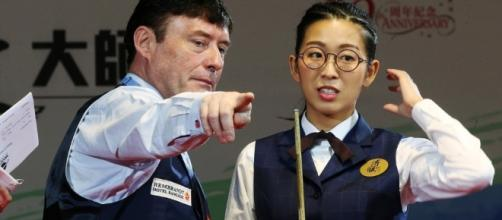 Jimmy giving pointers to Ng On-Yee a Hong Kong snooker player | South China Morning Post - scmp.com