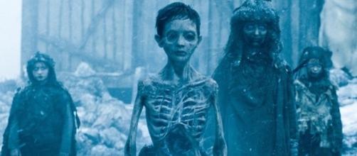 Os ''zumbis'' de Game of Thrones são mortos ressuscitados pelo toque dos White Walkers. Foto: Reprodução/HBO