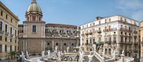 """Palermo: piazza Pretoria o """"della Vergogna"""""""