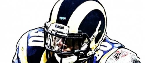 St Louis Rams Zac Stacy [Image by Jack Kurzenknabe| Flickr | Cropped | Public Domain Mark 1.0]