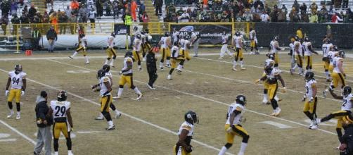 The Steelers are warm and ready to go. Royal Broil via Wikimedia Commons