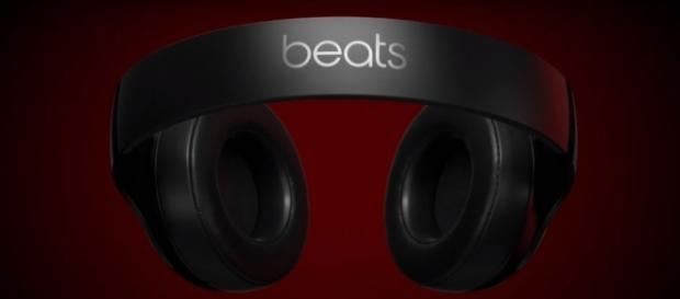 Beats Studio 3 Wireless Apple W1 (Beats by Dre/YouTube) https://www.youtube.com/watch?v=ERuONiY5Gz0