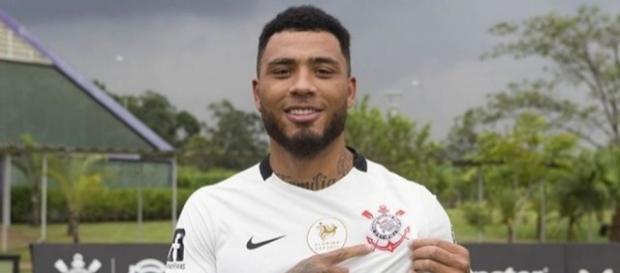 Kazim é forte candidato a deixar o Corinthians em 2018