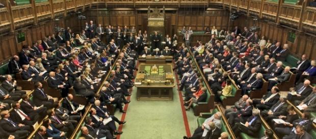 Parlamentares britânicos em sessão