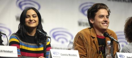 Camila Mendes & Cole Sprouse- https://www.flickr.com/photos/gageskidmore/33785500296