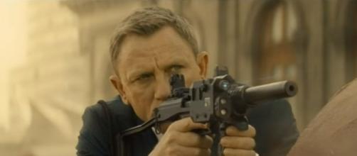 "Daniel Craig as James Bond in ""Spectre."" (Photo:YouTube/Nigel Le Grange)"