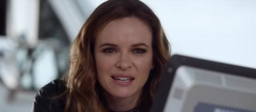 """Danielle Panabaker as Caitlin Snow/Killer Frost in """"The Flash"""" Season 4. (Photo:YouTube/The CW)"""