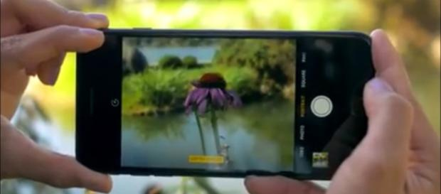 Snapdragon 835 to increase smartphone's battery life. [Image via YouTube/Krystal Key]