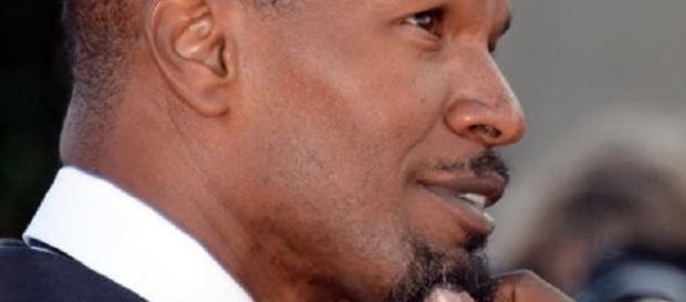 Jamie Foxx and Katie Holmes have finally gone public. Google fair use image