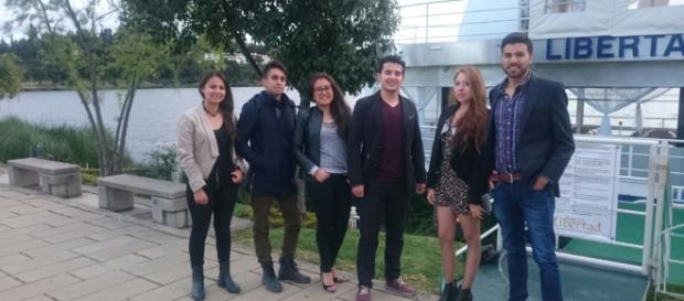 Jóvenes emprendedores colombianos.