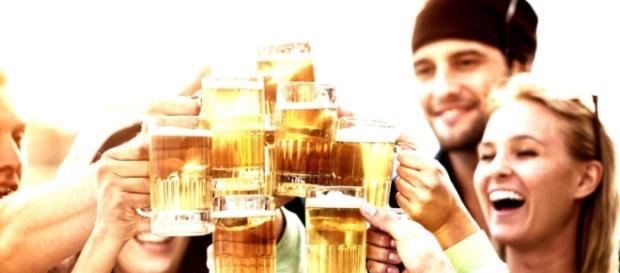 Pessoas que bebem muito vivem com mais saúde