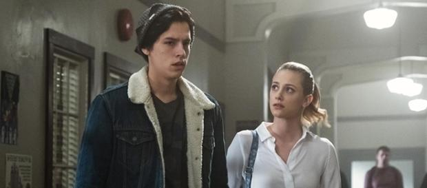 """Riverdale"" stars Lili Reinhart and Cole Sprouse were called out by a disgruntled fan. (SpoilerTV/The CW)"