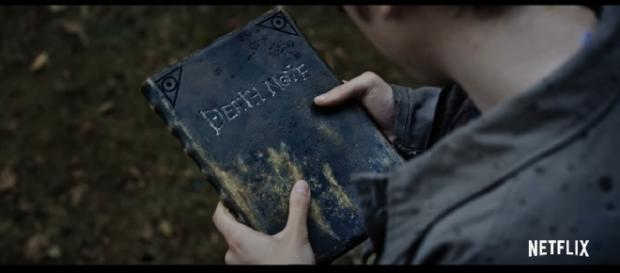 "Fans disappointed by ""Death Note"" movie. [Image via YouTube/Netflix]"