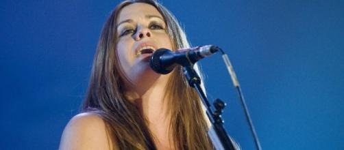 Alanis Morissette opens up about her postpartum depression. (Wikimedia/livepict.com)