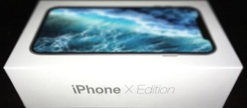 iPhone X: le ultime indiscrezioni sulle caratteristiche del nuovo prodotto Apple.