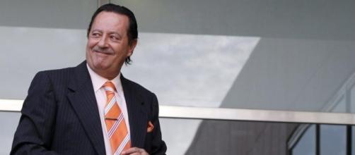 Julián Muñoz y las razones de su mejorado nuevo aspecto - lavanguardia.com