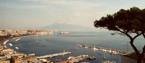 La vista da Posillipo del Golfo di Napoli