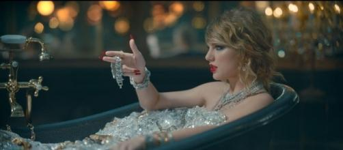 The new hotness: Taylor Swift's 'Look What You Made Me Do' ousts 'Despacito' from Billboard Top 1. / from 'YouTube' screen grab