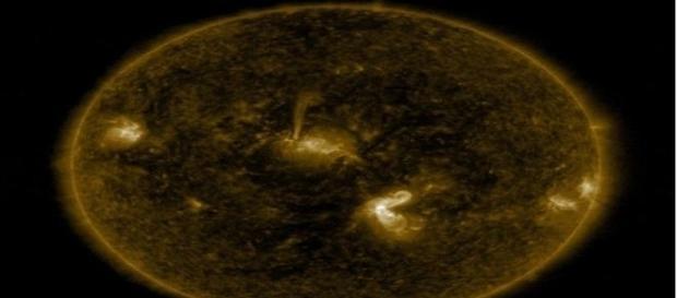 Além da monstruosa explosão solar, Terra pode ser atingida por ejeção de massa coronal (NASA/SDO)