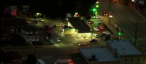 At least one pipe bomb exploded in an East Chicago post office on Wednesday [Image: YouTube/News Showbiz]