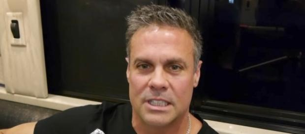 Troy Gentry of Montgomery Gentry killed in helicopter crash - YouTube screenshot