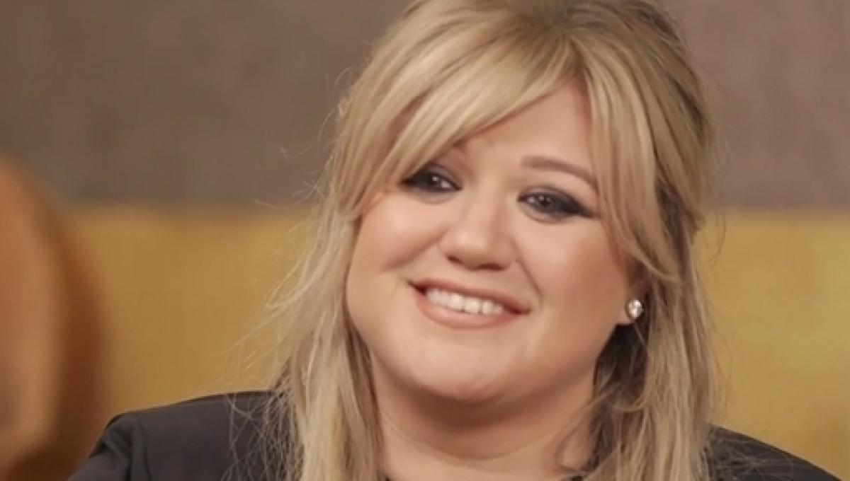 Kelly Clarkson Chose The Voice Over American Idol Because Of Family Duties
