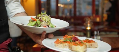 Food being served, Image Credit: RestaurantAnticaRoma / Pixabay
