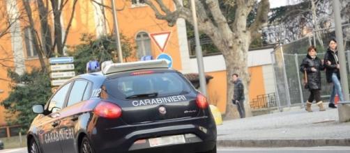 Indagati dalla procura di Firenze i due carabinieri che dopo aver fatto salire sulla gazzella 2 studentesse americane le avrebbero violentate.