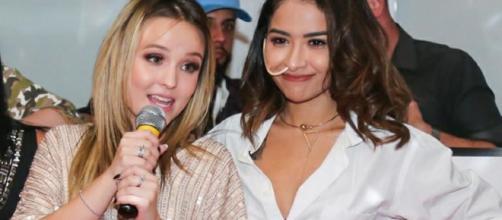 Larissa Manoela surpreende e doa renda de show para fã com câncer