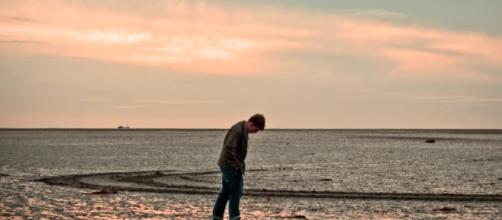 Loneliness and isolation shown to be serious health risks. - Image Credit: Bert Kaufmann / Wikimedia