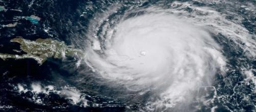 L'Ouragan Irma continue sa route après avoir rayé de la carte les îles françaises.