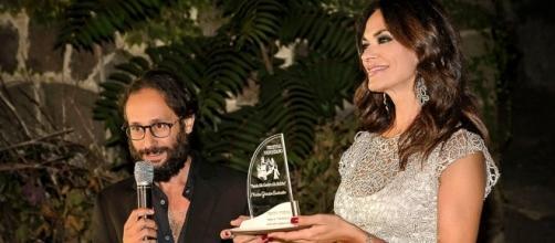 Maria Grazia Cucinotta riceve il Premio alla Carriera - Foto Maurizio Scirè