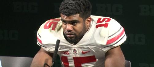 Ezekiel Elliott has been granted a temporary restraining order by a federal judge. [Image via Wikimedia Commons]
